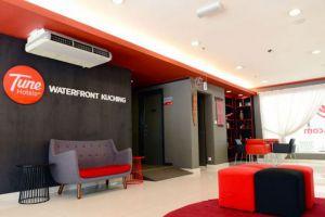 Tune-Hotel-Waterfront-Kuching-Sarawak-Lobby.jpg