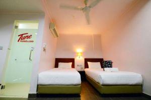 Tune-Hotel-Waterfront-Kuching-Sarawak-Twin-Room.jpg