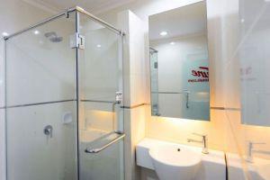Tune-Hotel-Waterfront-Kuching-Sarawak-Washroom.jpg