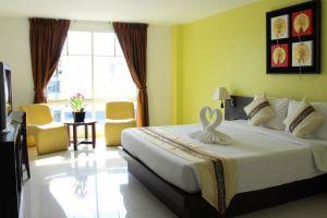 Twin-Hotel-Phuket-Thailand-Room.jpg