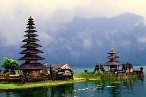 Ulun-Danu-Bratan-Temple-Bali-Indonesia-004.jpg