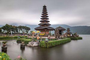 Ulun-Danu-Bratan-Temple-Bali-Indonesia-005.jpg