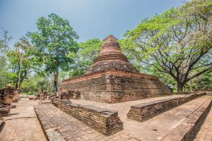 Utthayan-Mueang-Kao-Phichit-Thailand-03.jpg