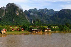 Vang-Vieng-Vientiane-Laos-001.jpg