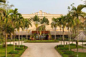 Victoria-Resort-Can-Tho-Vietnam-Entrance.jpg