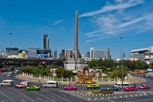 Victory-Monument-Bangkok-Thailand-04.jpg