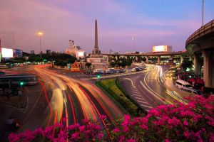 Victory-Monument-Bangkok-Thailand-05.jpg
