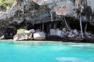 Viking-Cave-Phi-Phi-Krabi-Thailand-02.jpg