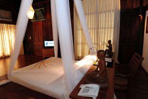 Villa-Inle-Resort-Spa-Taunggyi-Myanmar-Room.jpg
