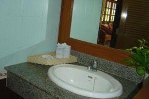Villa-Resort-Koh-Lanta-Thailand-Bathroom.jpg