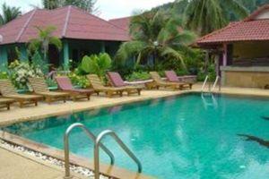 Villa-Resort-Koh-Lanta-Thailand-Pool.jpg