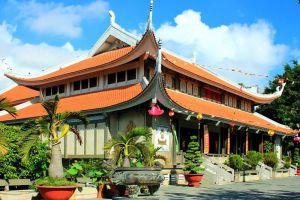 Vinh-Nghiem-Pagoda-Ho-Chi-Minh-Vietnam-002.jpg