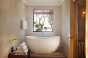 Vinpearl-Resort-Phu-Quoc-Island-Vietnam-Bathroom.jpg