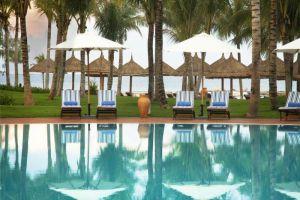Vinpearl-Resort-Phu-Quoc-Island-Vietnam-Pool.jpg