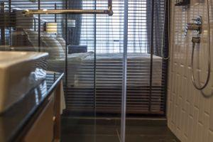 WEIL-Hotel-Ipoh-Perak-Malaysia-Bathroom.jpg
