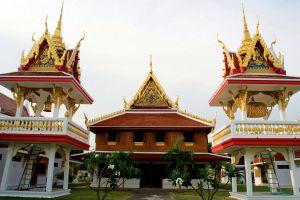 Wat-Ang-Thong-Worawihan-Thailand-01.jpg