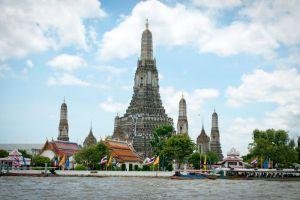 Wat-Arun-Temple-of-Dawn-Bangkok-Thailand-001.jpg