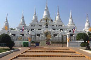 Wat-Asokaram-Samut-Prakan-Thailand-02.jpg