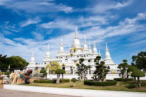 Wat-Asokaram-Samut-Prakan-Thailand-04.jpg