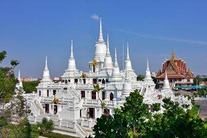 Wat-Asokaram-Samut-Prakan-Thailand-06.jpg