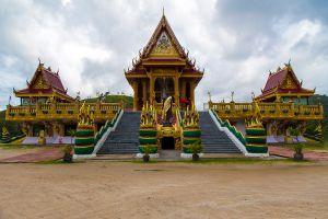 Wat-Baan-Ngao-Ranong-Thailand-01.jpg