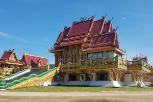 Wat-Baan-Ngao-Ranong-Thailand-04.jpg