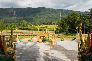 Wat-Baan-Ngao-Ranong-Thailand-06.jpg
