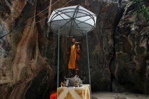 Wat-Baan-Tham-Kanchanaburi-Thailand-04.jpg
