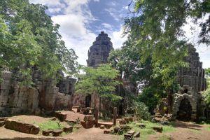 Wat-Banan-Temple-Battambang-Cambodia-004.jpg