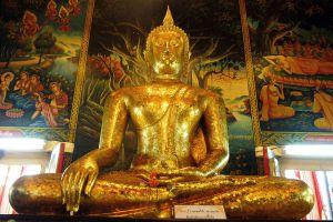 Wat-Bang-Phli-Yai-Nai-Samut-Prakan-Thailand-06.jpg