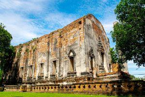 Wat-Borom-Phuttharam-Ayutthaya-Thailand-01.jpg