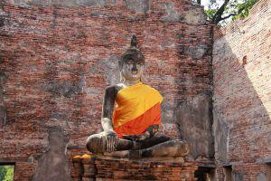 Wat-Borom-Phuttharam-Ayutthaya-Thailand-04.jpg