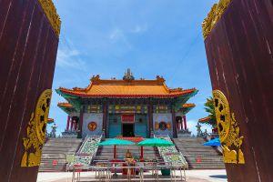 Wat-Borom-Racha-Kanjanapisek-Anusorn-Nonthaburi-Thailand-01.jpg