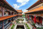 Wat-Borom-Racha-Kanjanapisek-Anusorn-Nonthaburi-Thailand-02.jpg