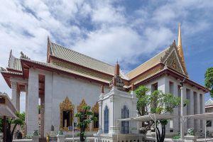 Wat-Bowonniwet-Vihara-Bangkok-Thailand-01.jpg