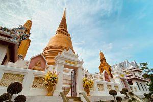 Wat-Bowonniwet-Vihara-Bangkok-Thailand-04.jpg