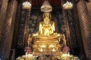 Wat-Bowonniwet-Vihara-Bangkok-Thailand-06.jpg