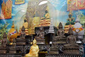Wat-Bua-Khwan-Phra-Aram-Luang-Nonthaburi-Thailand-01.jpg