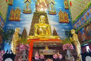 Wat-Bua-Khwan-Phra-Aram-Luang-Nonthaburi-Thailand-02.jpg