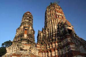 Wat-Chaiwatthanaram-Ayutthaya-Thailand-003.jpg