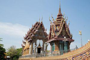 Wat-Chalo-Nonthaburi-Thailand-01.jpg