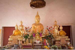 Wat-Chalo-Nonthaburi-Thailand-05.jpg