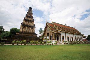 Wat-Chamthewi-Lamphun-Thailand-001.jpg