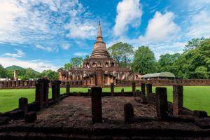 Wat-Chang-Lom-Sukhothai-Thailand-01.jpg