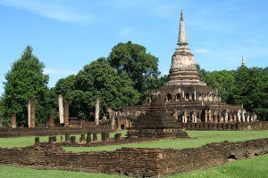 Wat-Chang-Lom-Sukhothai-Thailand-02.jpg