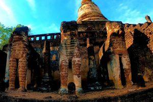 Wat-Chang-Lom-Sukhothai-Thailand-04.jpg
