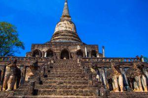 Wat-Chang-Lom-Sukhothai-Thailand-05.jpg
