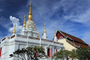 Wat-Chedi-Chet-Yot-Chiang-Mai-Thailand-002.jpg
