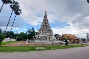 Wat-Chedi-Liam-Chiang-Mai-Thailand-01.jpg