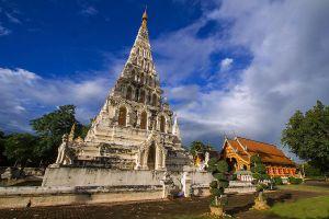 Wat-Chedi-Liam-Chiang-Mai-Thailand-04.jpg